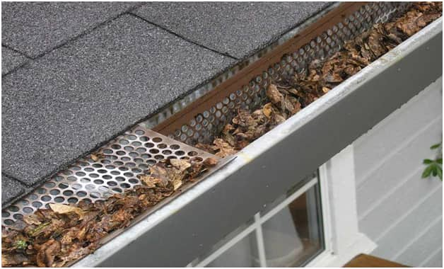 How To Clean Gutter   Benefits Of Gutter Cleaning